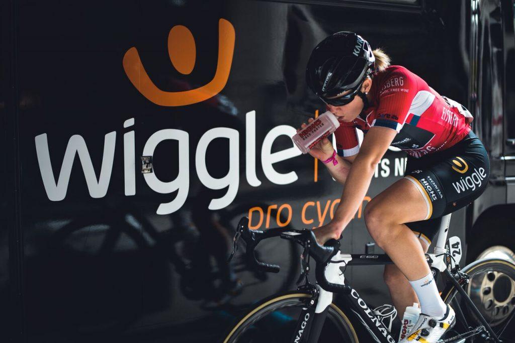 Jolien D'hoore cycling in the race